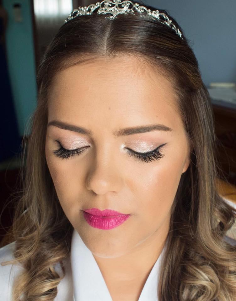 Maquilhagem de Noiva | Eyeliner gráfico & Lábios rosa